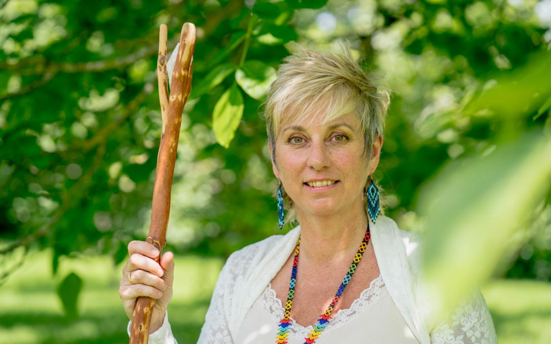 Love in a time of Corona – online services – 1 to 1 Zooms with Sue, Ask the Oracle, Healing, Feng Shui, Space Clearing & Bereavement Ceremonies